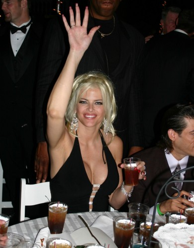 Kentucky Derby Museum announces showcase of Anna Nicole Smith fashion